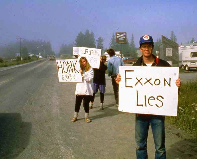 exxon valdez pr study 25 years after exxon valdez oil spill, company still hasn't paid for long-term environmental damages kiley kroh a 2001 national oceanic and atmospheric administration study surveyed 96 sites along 8,000 miles of coastline and found that a total area of approximately 20 acres of.